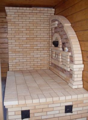 Печь камин с лежанкой из кирпича