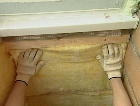 Как утеплить стены на балконе изнутри своими руками