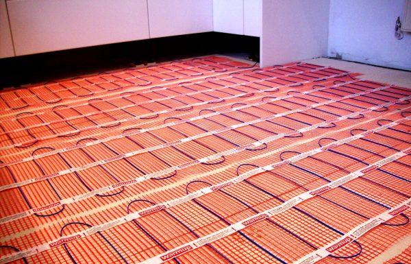 Какой теплый пол под линолеум допустим на деревянном полу