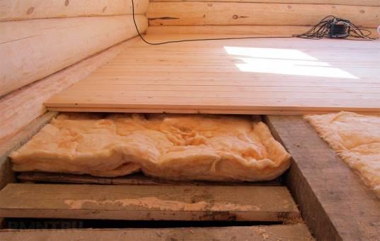 Утепление пола в деревянном доме своими руками