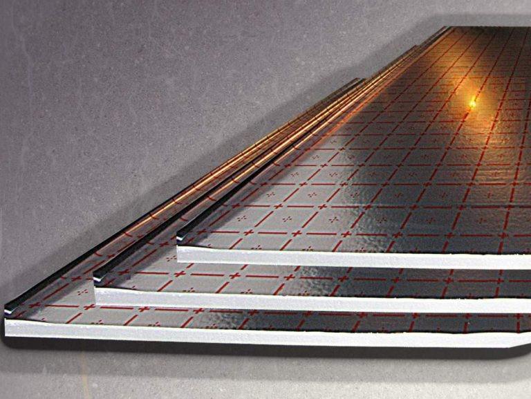 Утепляем потолок фольгированным утеплителем