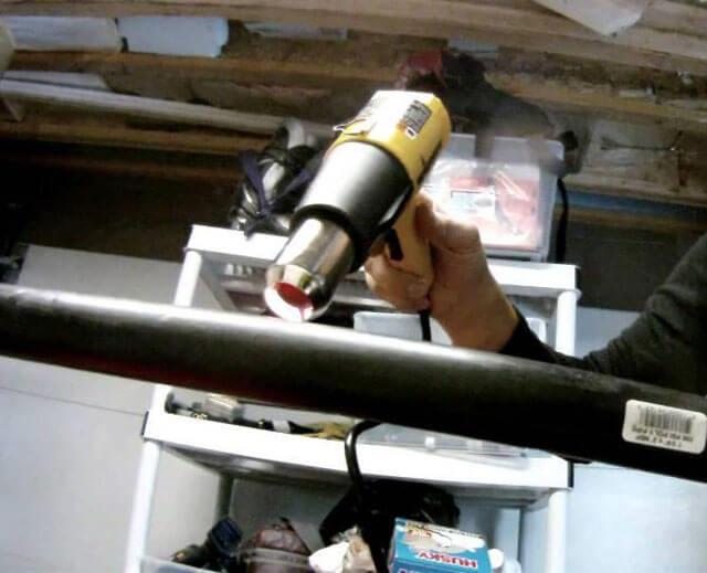 Как выпрямить ПНД трубу из бухты и потом согнуть ее в нужный радиус в домашних условиях
