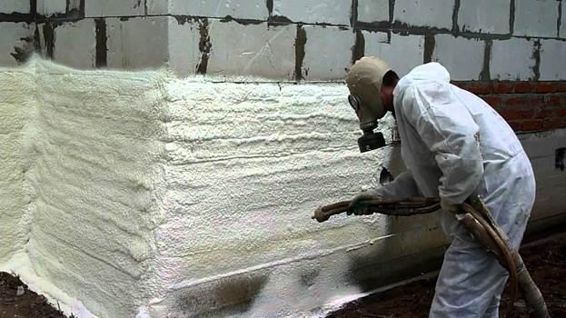 Напыление пенополиуретана как своими руками нанести напыляемый материал как пользоваться жидким составом в баллончиках